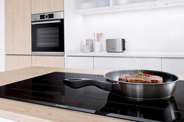 So sánh bếp từ Bosch và bếp từ Hafele
